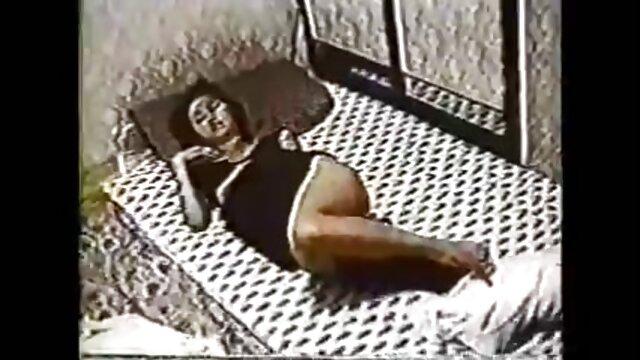 Widok Grupowy. dwoje filmy erotyczne lata 80 dzieci w pierwszej osobie.