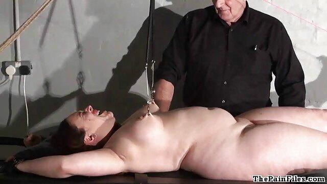 Mąż dał jej darmowe filmy erotyczne na komorke pasek wystający z tyłka.
