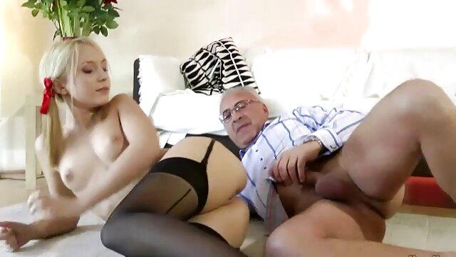 Mama erotyka sex w łazience