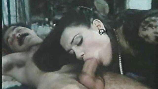 Wolę dżinsy z majorem w każdej sekcji oddechowej. erotyka starsze panie