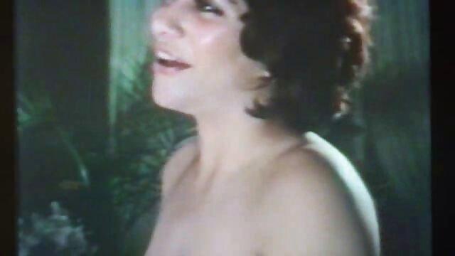 Mama piecze pieprz na filmy erotyczne do pobrania kanapie