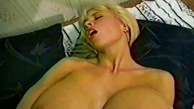 W sytuacjach żartów z przyjacielem w lesie delikatne filmy erotyczne